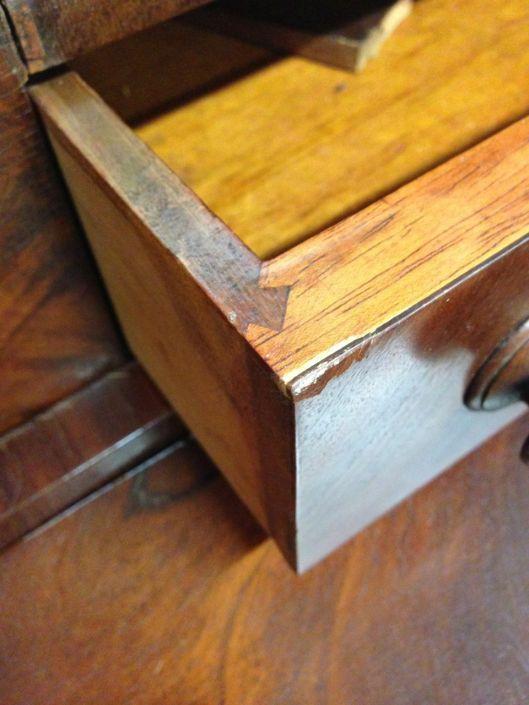 A vertical sliding dovetail.