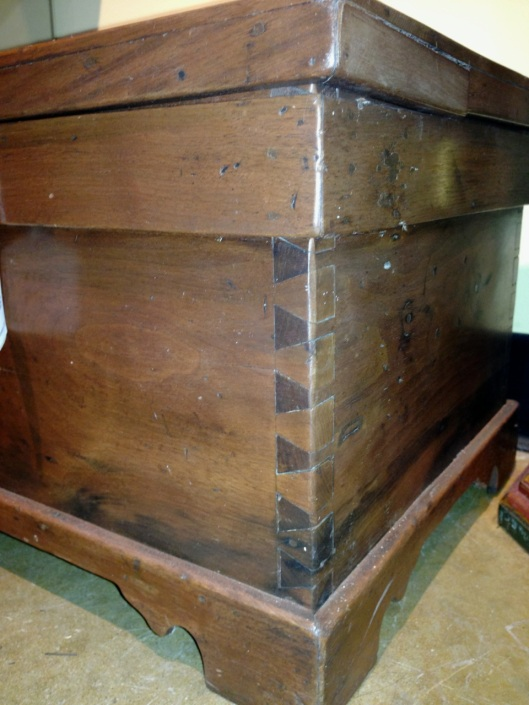 Really big dovetails.