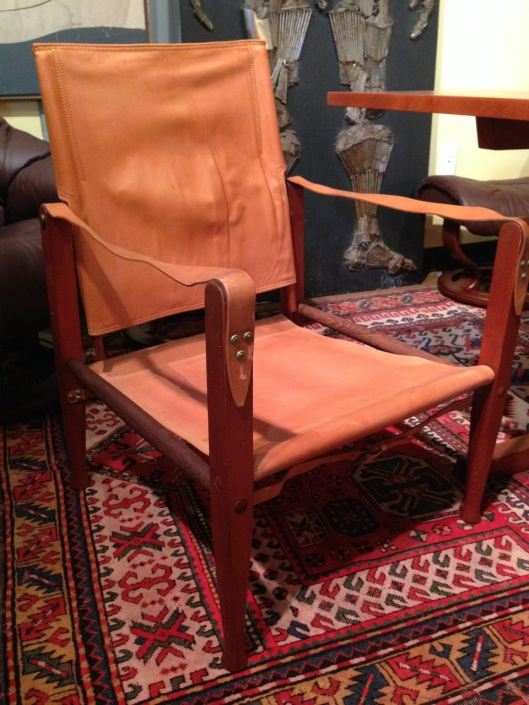 This is what a Kaare Klint 'Safari Chair' actually looks like. Click to see the entire set on Flickr.