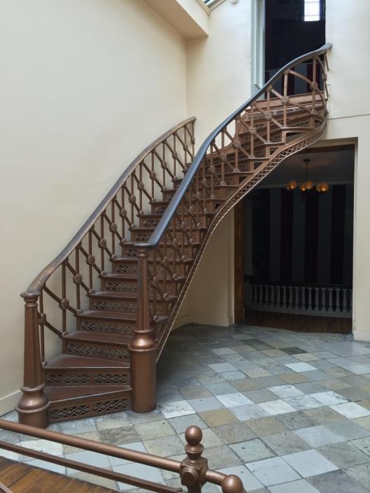 An elegant short stairway.