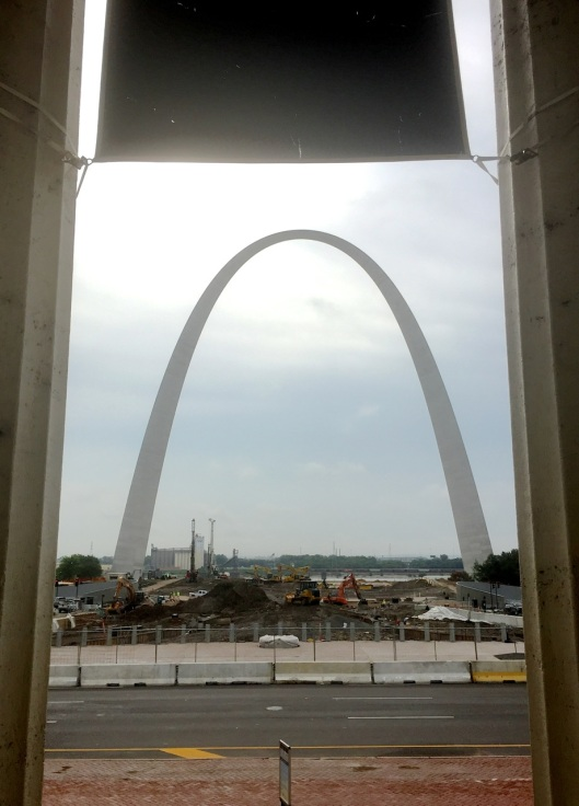 Yep, over yonder is the Arch.