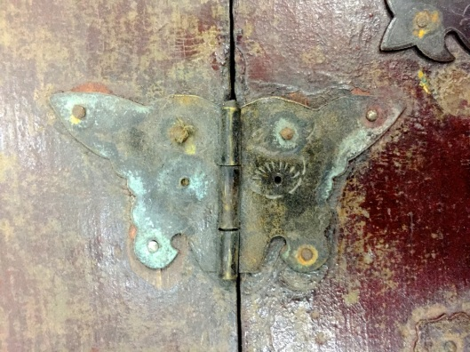 Butterfly hinges are attractive.