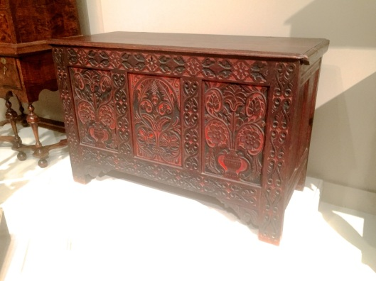 A jointed chest dated 1676 found in Ipswich, RI>