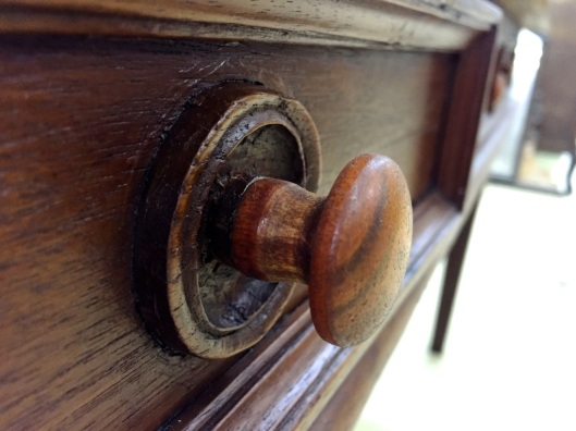 There's something about wooden knobs I like.