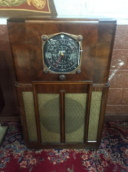 1937 Zenith 12U158 Floor Model Radio